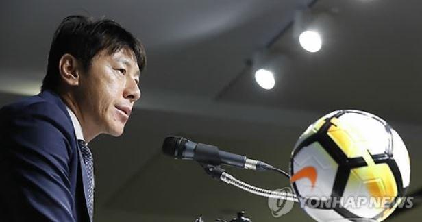 Cầu cứu Guus Hiddink bất thành, tuyển Hàn Quốc xin lỗi