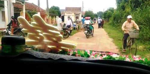 Vụ chặn xe cưới để đòi nợ nông thôn mới: Quyết không xin lỗi!