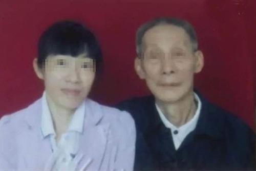 Cụ ông 78 tuổi quá khỏe khiến cô vợ trẻ bị hàng xóm nghi ngờ ngoại tình
