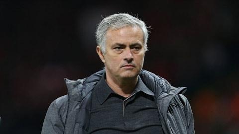 Mourinho khẳng định tiền là động lực để M.U thắng