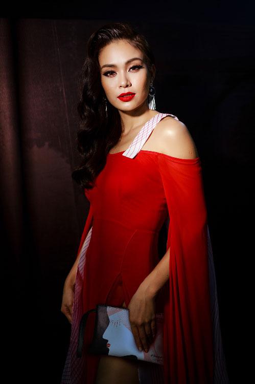 Dàn sao Việt diện túi Gibi từ Đấu trường phong cách