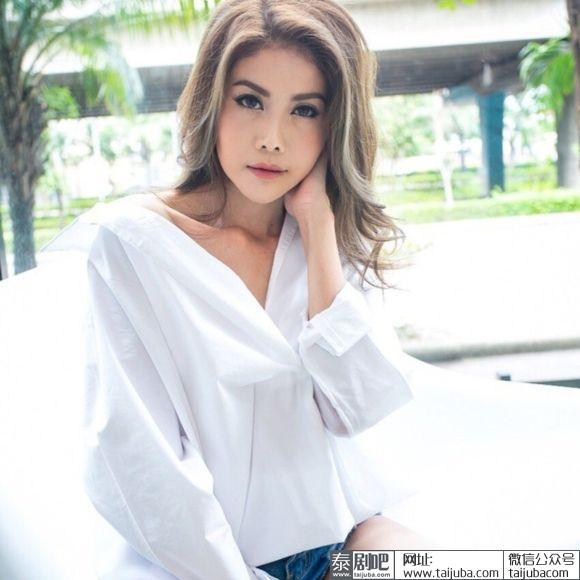 Sao Thái Lan 43 tuổi lột xác ngoạn mục sau khi bị chồng bỏ vì xuống sắc do sinh nở