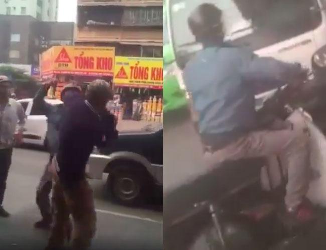 Clip gây phẫn nộ: Hai thanh niên hùng hổ xông tới đánh đấm túi bụi người bác lớn tuổi sau va chạm trên phố Hà Nội
