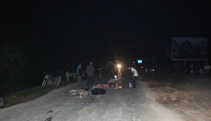 Chở vợ đi thăm người thân, người chồng tử vong sau vụ va chạm với xe tải