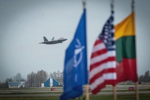 F-22 diệt Su-30SM khi máy bay Nga chưa kịp phát hiện