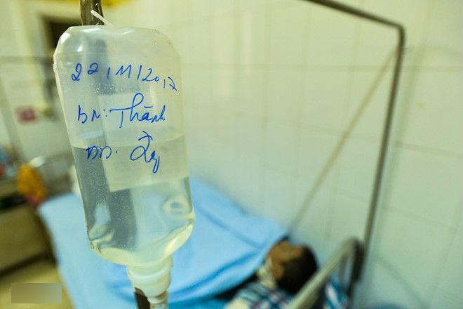 Cầu cứu bác sĩ sau khi đối tác thú nhận mắc HIV