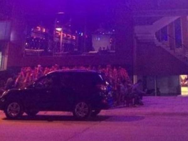 30 thanh niên hỗn chiến, nổ súng gây náo loạn quán bar ở Hà Nội
