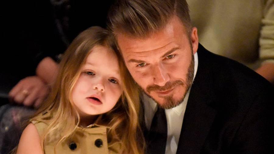 Hình ảnh Harper béo ú bị dân mạng chê xấu, vợ chồng Beckham nổi trận lôi đình