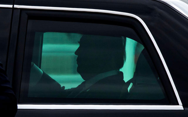Xe bọc thép của ông Trump vẫn chưa hoàn thiện