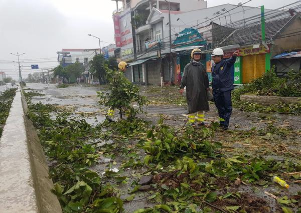 Ít nhất 11 người chết, nhiều nạn nhân mất tích vì bão Damrey