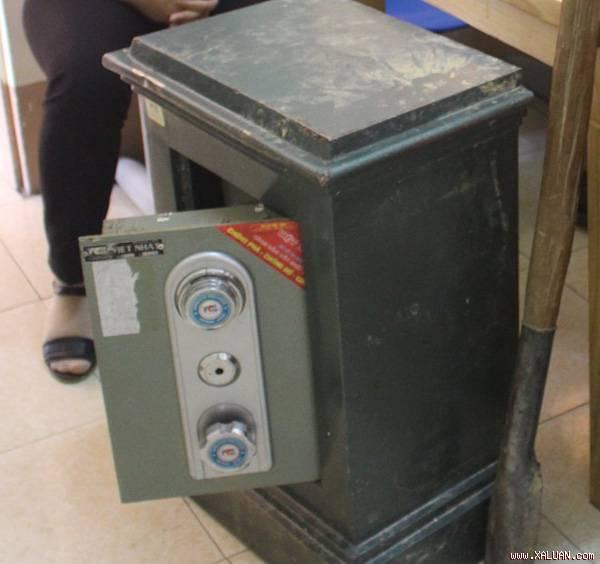 Làm chìa khóa dự phòng, mở két sắt trộm gần 130 triệu đồng