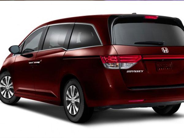 Ô tô Honda giảm 130 triệu: Quyết đấu giá, dìm nhau xuống đáy