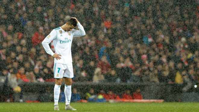 Ronaldo 4 tháng ghi 2 bàn, Real sẽ ruồng bỏ tàn nhẫn như Casillas