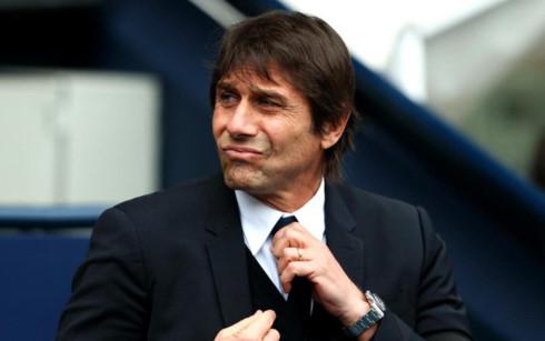 Chelsea - MU: Judas - Mourinho không cầu hòa?