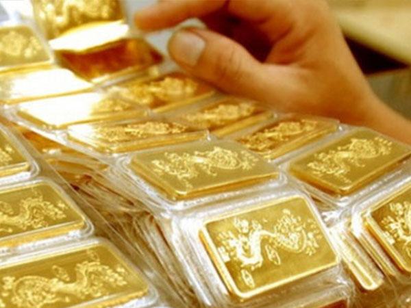 Giá vàng hôm nay 5/12: USD mạnh, vàng xuống đáy