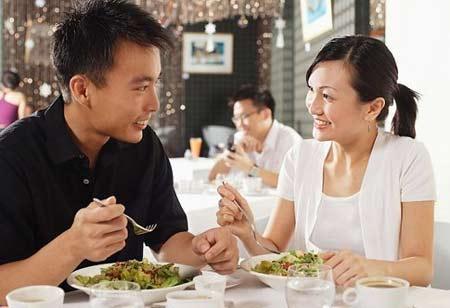 Làm mới tình cảm vợ chồng bằng những hành động rất giản đơn này
