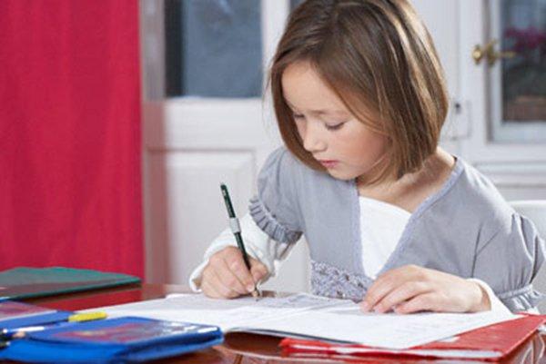 Bài tập toán của bé 8 tuổi khiến phụ huynh cả thế giới đau đầu`