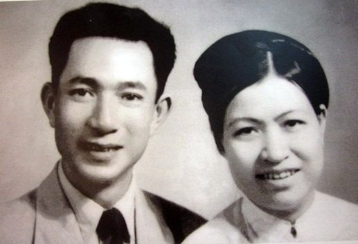 Con trai của người hiến 5.000 lượng vàng cho Nhà nước: Mẹ tôi sống giản dị, những thứ phù phiếm hình thức chỉ là vô thường