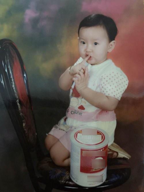 Hé lộ loạt ảnh thời thơ ấu cực đáng yêu của Hoa hậu Hoàn cầu 2017 Khánh Ngân
