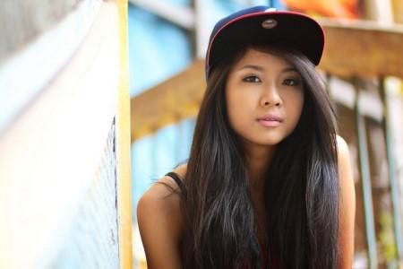 Những cô gái Việt được chú ý khi người nổi tiếng đến Việt Nam