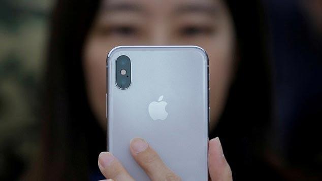 Những than phiền bất ngờ của người dùng về camera iPhone X