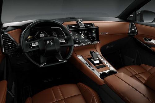 SUV thể thao DS7 Crossback giá từ 837 triệu đồng
