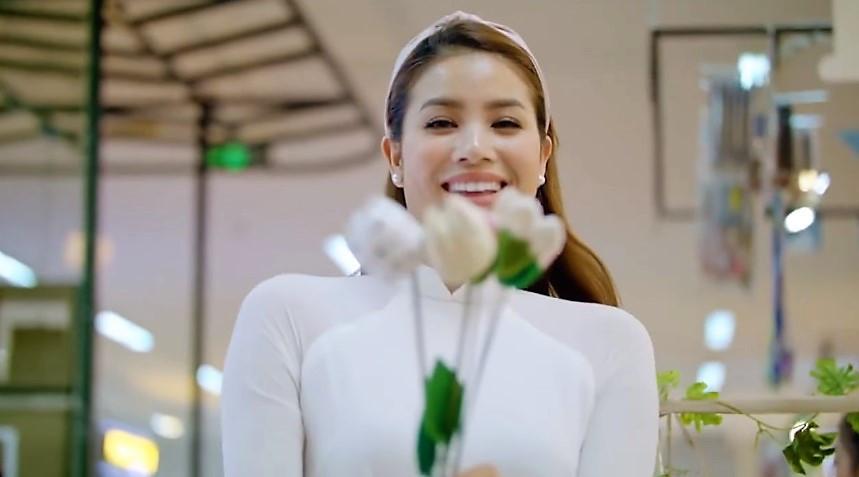 Phạm Hương rạng rỡ trong phim quảng bá du lịch Đà Nẵng nhân APEC