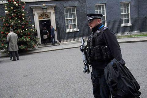 Tình báo Anh phá âm mưu ám sát Thủ tướng Theresa May như thế nào?