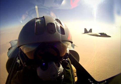 Thừa nhận của phi công Mỹ khi F-22 bỏ chạy