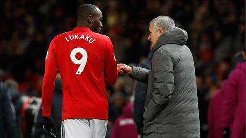 Nghi vấn: Lukaku tung quyền vào mặt trợ lý Pep Guardiola sau trận đấu