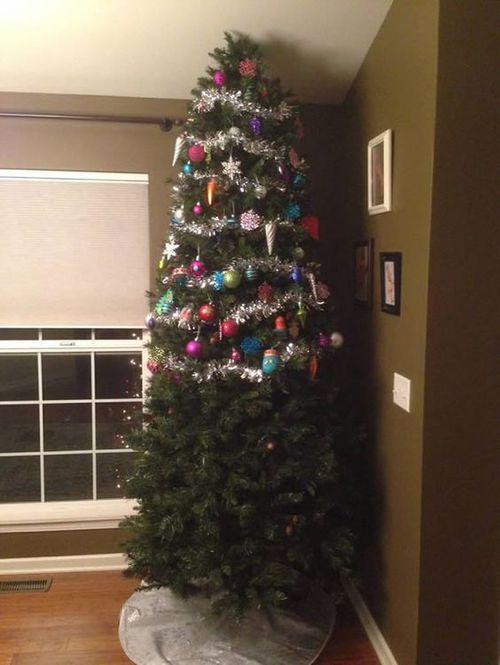 Té ngửa với 14 kiểu trang trí cây thông Noel lầy lội nhất quả đất