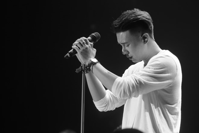 Đông Hùng: 5 năm ai gọi gì cũng hát, không dám mua áo mới