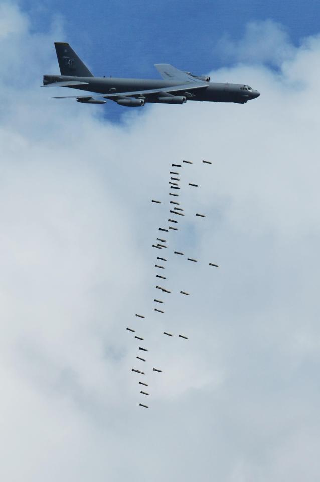 B-52 Mỹ sập bẫy: 60 phút kinh hoàng - Số tên lửa VN nghênh chiến tăng vọt sau 1 đêm