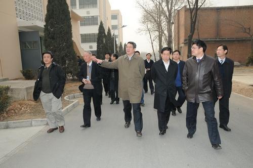 Quan Trung Quốc nổi tiếng tằn tiện, hóa ra ăn hối lộ trăm tỉ, quan hệ bất chính