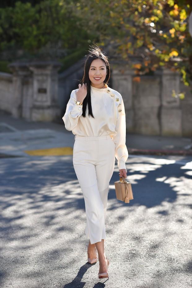 Street style của các quý cô châu Á cũng bắt đầu ngập tràn những gam màu mùa lễ hội