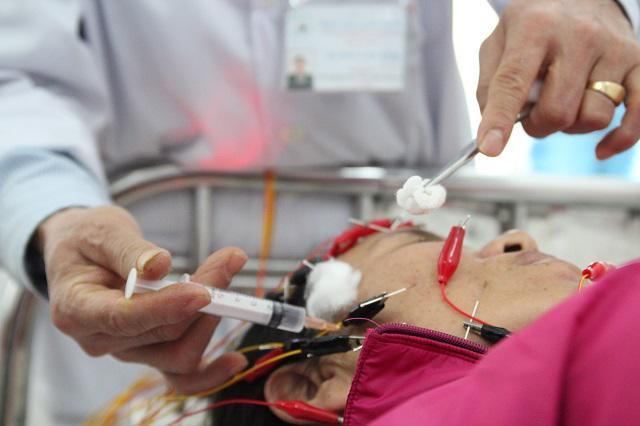 Hà Nội: Rét đậm dưới 9 độ C, số người nhập viện vì méo mồm, trợn mắt gia tăng
