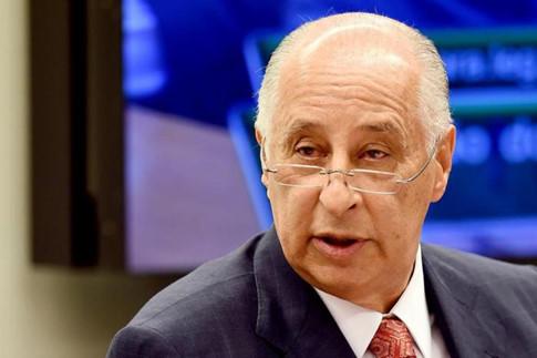 Romario tranh chức chủ tịch Liên đoàn để dẹp sạch bê bối bóng đá Brazil