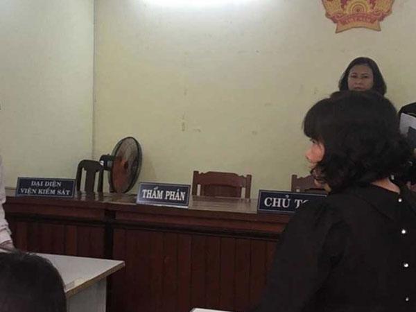 Bà nông dân thắng kiện UBND huyện Bình Chánh