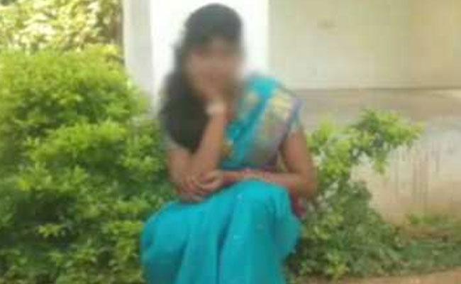 Bố mẹ quỷ dữ đánh chết, đốt xác con gái 13 tuổi vì… nói chuyện với bạn nam