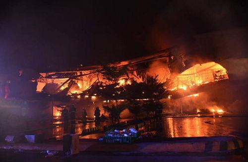 Hỏa hoạn ở trung tâm thương mại Philippines, 20 người mất tích