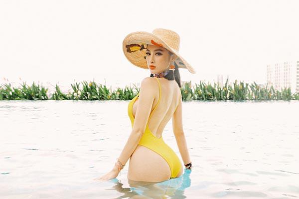 Angela Phương Trinh bức xúc, đăng clip bikini bỏng mắt đáp trả tin đồn dao kéo