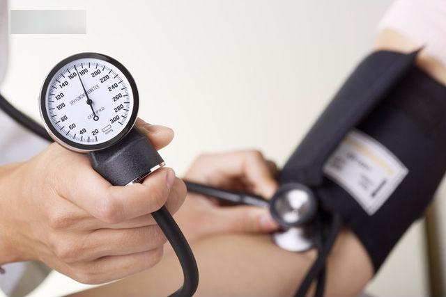 Ranh giới sinh tử của người bị huyết áp chính là ăn uống, lối sống: Đây là phao cứu sinh