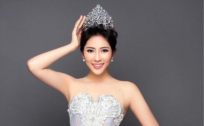 Mua giải, Hoa hậu tháo sụn, giám khảo phát ngôn sốc và những trò hay của nhan sắc Việt 2017