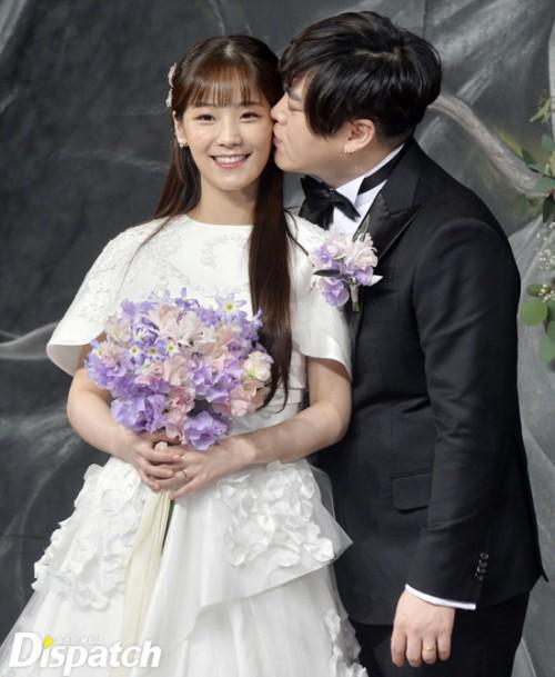 Sao Hàn đám cưới: Người được chúc tụng linh đình, kẻ chịu trù dập thảm thương