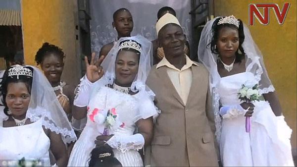 Người đàn ông kết hôn với ba vợ cùng một ngày
