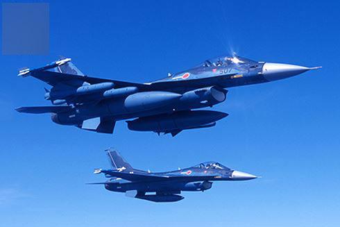 [Infographic] J-10, niềm tự hào của Trung Quốc sẽ gãy cánh trước F-2 Nhật Bản?