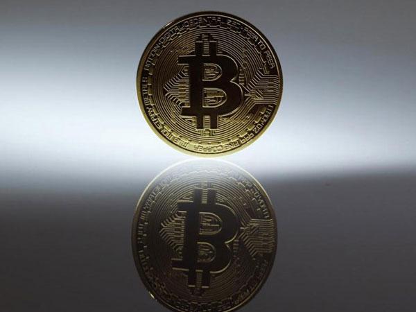 Bitcoin điên cuồng vượt ngưỡng 19.000 USD