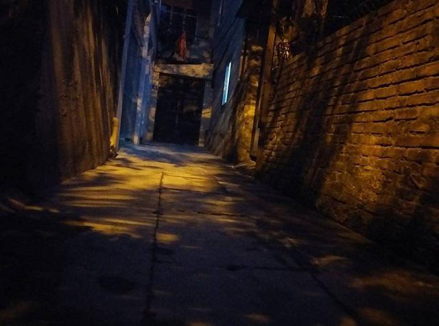 Xóm trọ bé 10 tuổi bị bạo hành: Phòng đó hay có tiếng động lạ, trẻ khóc thét trong đêm
