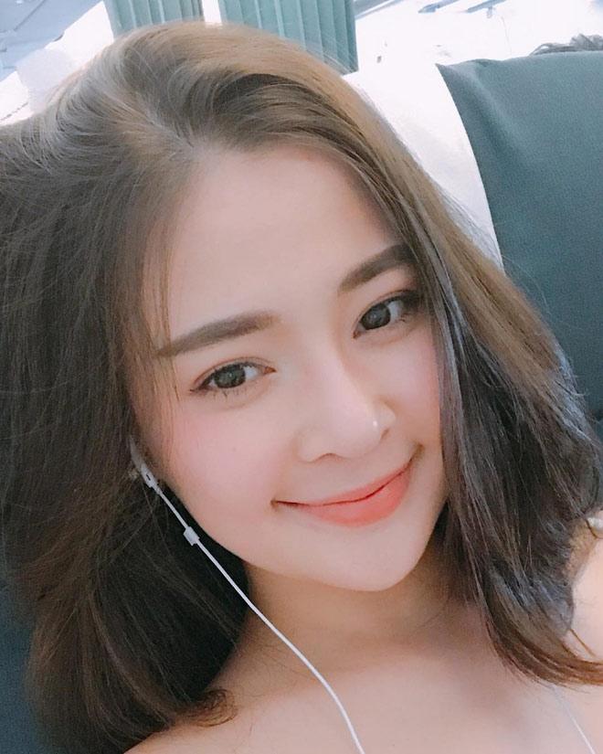Hot girl phồn thực Đà Nẵng khoe ảnh đẹp từ trong trứng