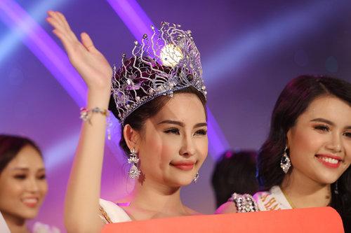 BTC thừa nhận Ngân Anh không đủ tiêu chuẩn, nhưng vẫn trở thành Tân Hoa hậu Đại dương 2017?